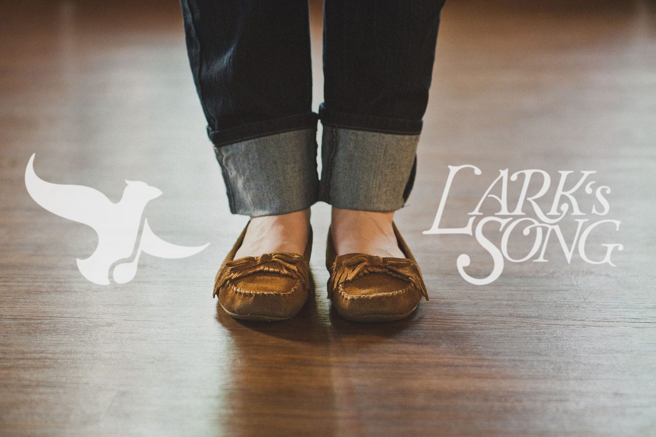 Lark's-Song-Branding-Megan-Gilmore-wmiii.co-feet
