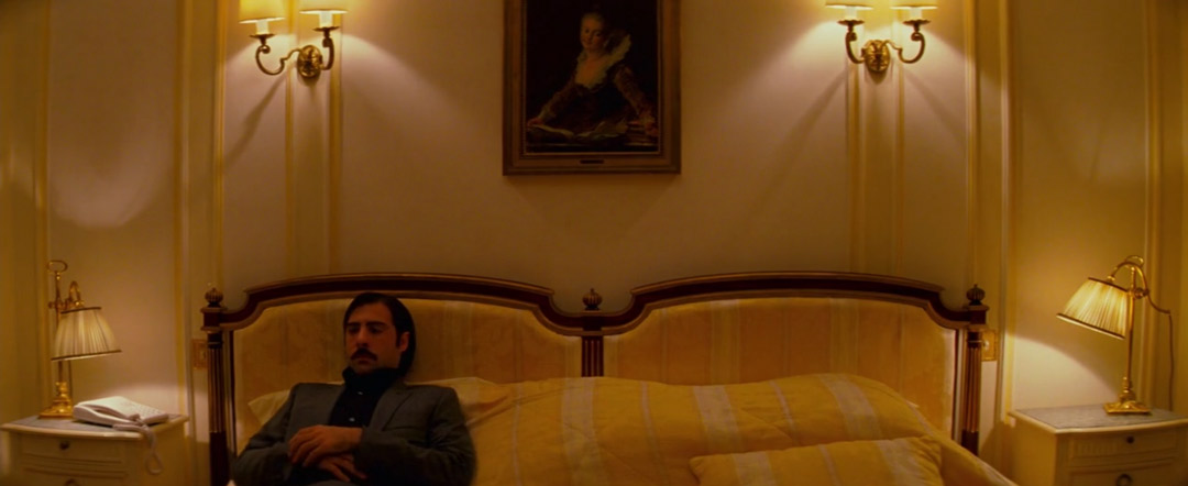 Hotel-Chevalier-Wes-Anderson-film-panoramas-wmiii-still-example-1